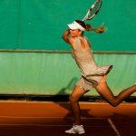 テニス初心者卒業の定義はこれ!「フォアハンドとサーブです」